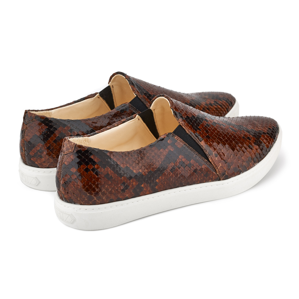 spitz slip on brown phyton back